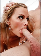 Snazzy babe Becca Blossoms prefers to swallow big yummy peckers