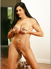 Stunning whore Raylene demonstrates her big ass and fingers snatch