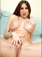 Eye-catching milf Sheila Marie showing her sweet boobs and hot legs