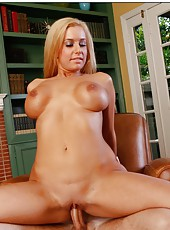 Yummy blonde girl Mariah Madysinn doing a superb blowjob and fucking