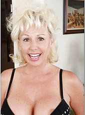 Winning pornstar JoAnna Storm loves posing naked and masturbating