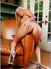 Astonishing babe Mariah Madysinn is doing some hot masturbation of her twat