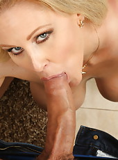 Busty whore Julia Ann doing a spectacular blowjob and being nailed nicely