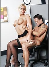 Topnotch blonde bombshell Phoenix Marie presents fantastic love in the office