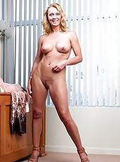 Mesmerizing pornstar Brenda James showing her big ass and masturbating