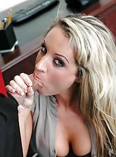Perfect milf Tessa West tastes new colleague