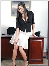 Exciting office lady Mikayla came to visit her boss in his cabinet