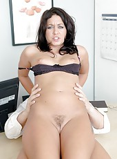 Hot milf with gorgeous eyes Renee Richards shows off amazing blowjobs and fucking