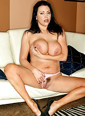 Delicious babe Angelica Sin just can