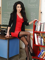 Hardcore action with a pretty dark haired milf named Jessica Jaymes