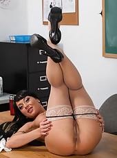 Horny busty milf Mahina Zaltana is ready for a hardcore fuck