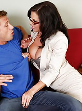 Veronica Avluv shows her sexy lingerie and takes it off her an amazing fuck