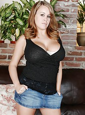 Busty whore Brandy Talore showing her huge breasts and her wet pussy