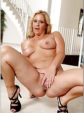 Coolest slut Phyllisha Anne prefers masturbating and licking naughty fingers