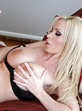 Amazing blonde babe Nikki Benz with her flawless body being banged