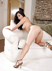 Magnificent performance of a sexy slut Roxy Jezel with her sweet big boobs