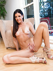 Great brunette milf India Summer looks super hot without her black lingerie