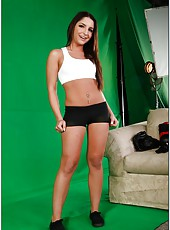 Photosession with brunette sweetie Giselle Leon turns into awesome fucking story
