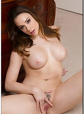 Chanel Preston shows her delicious ass withouth a sexy panties