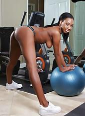 Exciting Ebony lady with hot figure Mahlia Milian tastes white aggregate