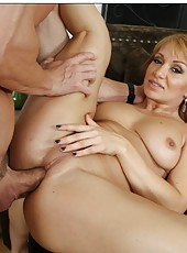 Lucky neighbor gets a passionate and horny blowjob from Lea Lexis