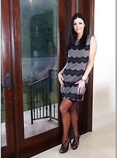 Black-haired arrogant lady India Summer facialized after hardcore action