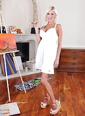 Slender blonde with round boobs Torrey Pines enjoys art, fucking art