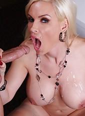 Arresting blonde with perfect huge breast Diamond Foxxx fucks like a sex-goddess