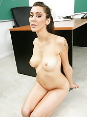 Fascinating Mrs. Princess Donna is tired of masturbation at her workplace