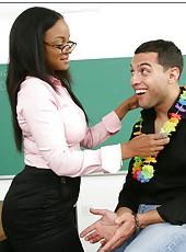 Curvy Ebony teacher Sinnamon Love amazes hot student with her forms