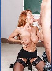 Redhead milf with excellent figure Janet Mason achieves delight with her student