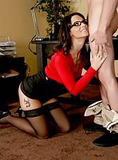 Splendid lady Mrs. Syren De Mer was posing in her cabinet when she got a cock