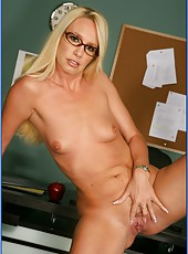 Long-legged and slender blonde Debbie Dial facialized so sweet after hot fuc