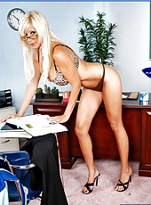 Dangerously hot blonde milf Puma Swede can seduce everyone with her charms