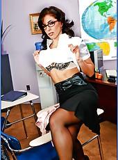Slutty teacher Mrs. Druuna is ready to get her ass banged hard
