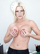 Busty schools director Lauren Kain meets hot student with powerful cock