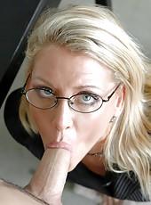Sexy teacher Chelsea Zinn got a sweet facial after hot shaved pussy fuck