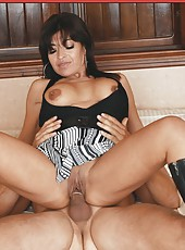 Amazing brunette Victoria Luna seduces her husband