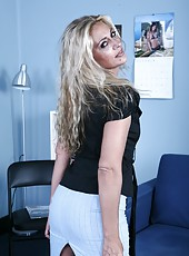 Spoiled blonde Jazella Moore showing her perfect snatch in a hot solo