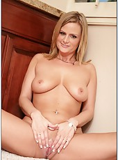 Pretty Mrs. Blossoms has a great body which she wants to rub