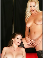 Cute milf Jacy Andrews posing with her lesbian friend and having fun