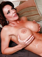 Stunning mature Deauxma making a deepthroat and sucking delicious balls