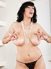 Classy hooker Alia Janine adores stripping and working with her vagina