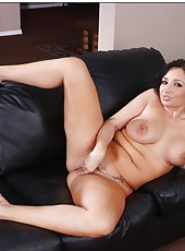 Naive milf Vannah Sterling showing rose lingerie and playing with wet sissy