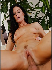 Snazzy babe India Summer dealing only with young dicks and reaching pleasure