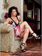 Noteworthy chick Raquel Devine stripping in high heels and playing with sissy