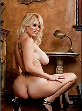 Posh chick Charlee Chase showing her awesome body and fingering
