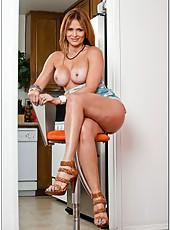 Fashionable slut Monique Fuentes wants to show her boobies and wet snatch