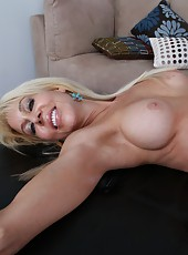 Marvelous slut Erica Lauren prefers to ride huge dicks and gets delicious cum