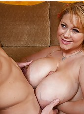 Alluring mature Samantha 38G demonstrates her skills to young guys